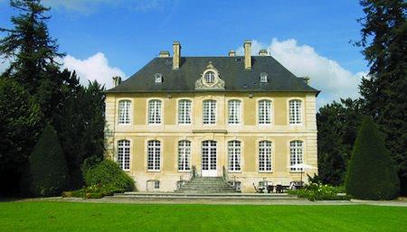 five great french castles that serve as boutique hotels mapplr. Black Bedroom Furniture Sets. Home Design Ideas